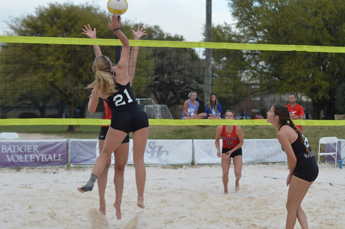 caroline arnold volleyball